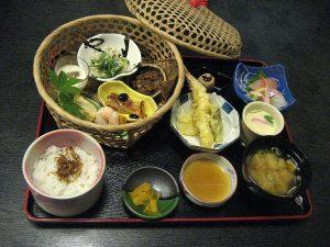 「昼膳」を始めました。和食処「桃山亭海舟」