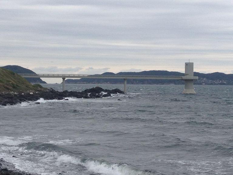 玄海海中展望塔は本日午後から休館します。