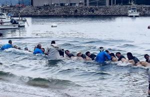 海中盆綱引きが開催されました。